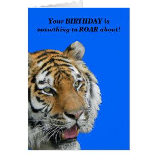 Tarjeta de felicitación divertida del cumpleaños d