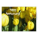 Tarjeta de felicitación feliz del tulipán del amar