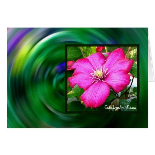 Tarjeta de felicitación (flor rosada del Clematis)