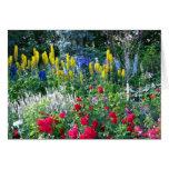 Tarjeta de felicitación floral del jardín inglés