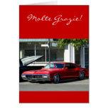 Tarjeta de felicitación roja clásica del coche