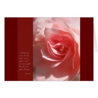 Tarjeta de la cita de Anais Nin en rosa