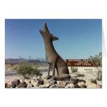 Tarjeta de la estatua del coyote de la puerta dela