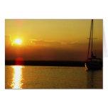 Tarjeta de la puesta del sol del velero