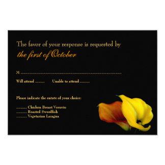 Tarjeta de la respuesta del boda de la cala anuncio