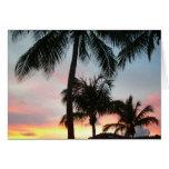 Tarjeta de las palmas de la puesta del sol