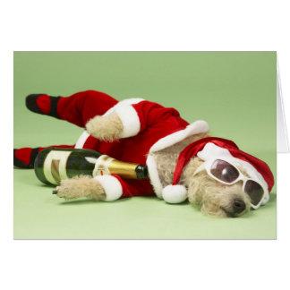 Tarjeta de Navidad borracha del perro