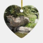 Tarjeta de Navidad del guepardo Adorno De Cerámica En Forma De Corazón