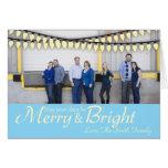 Tarjeta de Navidad feliz y brillante de la foto co
