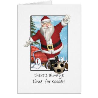 Tarjeta de Navidad Santa que juega a fútbol
