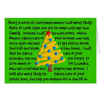 Tarjeta de Navidad torcida de la enfermera hilaran