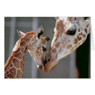 Tarjeta de nota de la jirafa y del bebé