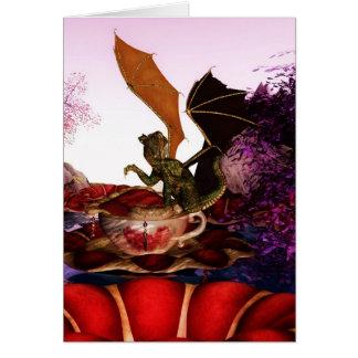 Tarjeta de nota del dragón de la fantasía con el r