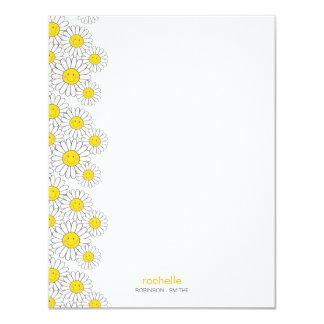 """Tarjeta de nota plana sonriente de las margaritas invitación 4.25"""" x 5.5"""""""