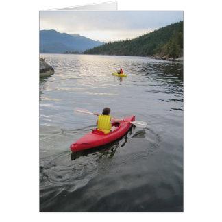 Tarjeta de nota vertical Kayaking