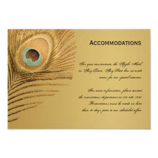 """Tarjeta de oro de los alojamientos del pavo real invitación 3.5"""" x 5"""""""