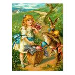 Tarjeta de pascua del vintage con el chica y los c postal
