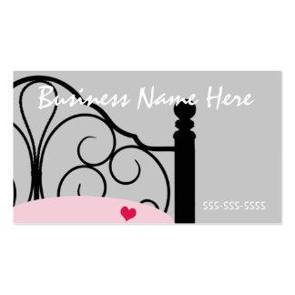 Tarjeta de visita adornada gris y rosada elegante