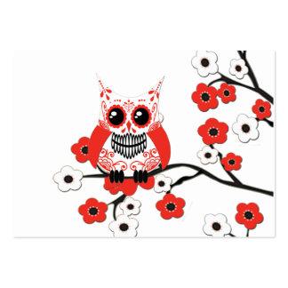 Tarjeta de visita blanca roja del búho de la flor