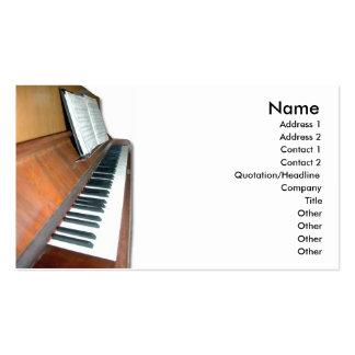 Tarjeta de visita de madera del piano