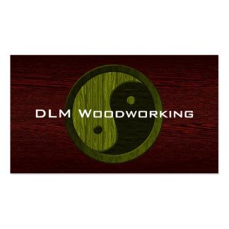 Tarjeta de visita de madera verde del contratista