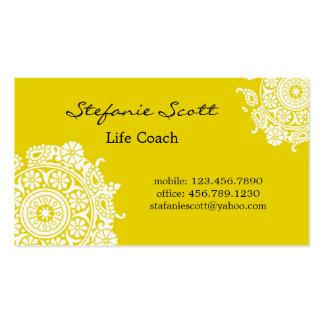 Tarjeta de visita elegante en amarillo y blanco