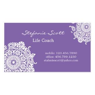 Tarjeta de visita elegante en púrpura y blanco