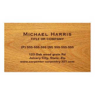 Tarjeta de visita manchada de madera de roble
