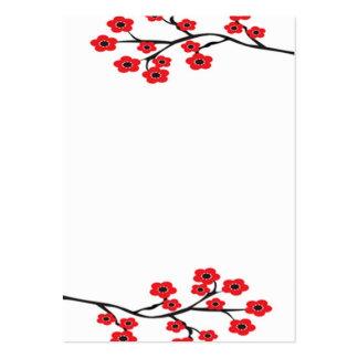 Tarjeta de visita roja de las flores de cerezo