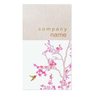 Tarjeta de visita rosada de las flores del colibrí