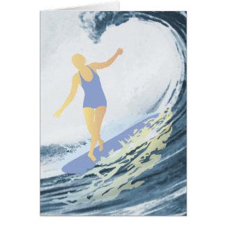 Tarjeta del chica de la persona que practica surf