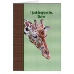 Tarjeta del cumpleaños de la hermana con la jirafa