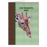 Tarjeta del cumpleaños de la mamá con la jirafa