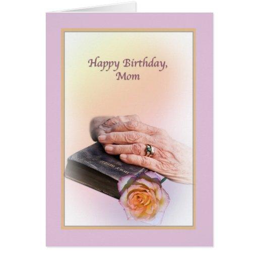 Tarjeta del cumpleaños de la mamá con las manos y