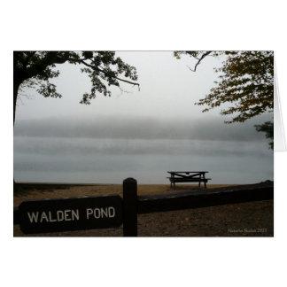 Tarjeta del día de fiesta de la charca de Walden -