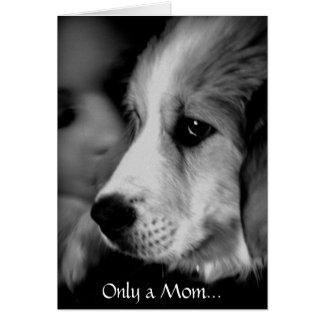 Tarjeta del día de madre del perrito de los grande