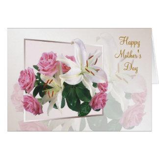 Tarjeta del día de madre - lirios blancos y rosas