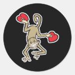 tarjeta del día de San Valentín del mono Etiquetas Redondas