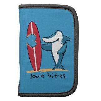Tarjeta del día de San Valentín del tiburón que pr Organizador