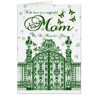 Tarjeta del día de St Patrick de la mamá - puerta