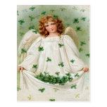 Tarjeta del día de St Patrick del ángel del trébol Postal