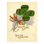 Tarjeta del día de St Patrick del trébol de la hoj