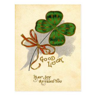 Tarjeta del día de St Patrick del trébol de la Postales