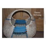 Tarjeta del feliz cumpleaños de la cesta del vinta