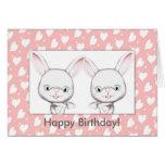 Tarjeta del feliz cumpleaños de los conejitos del