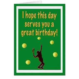 Tarjeta del feliz cumpleaños del jugador de tenis