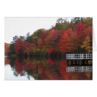 Tarjeta del follaje de otoño