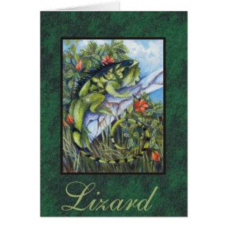 Tarjeta del lagarto con el musgo