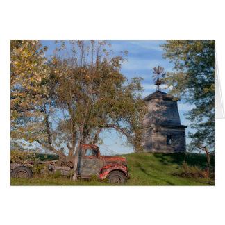 Tarjeta del otoño del país