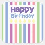 Tarjeta del stripey del feliz cumpleaños calcomanías cuadradass personalizadas